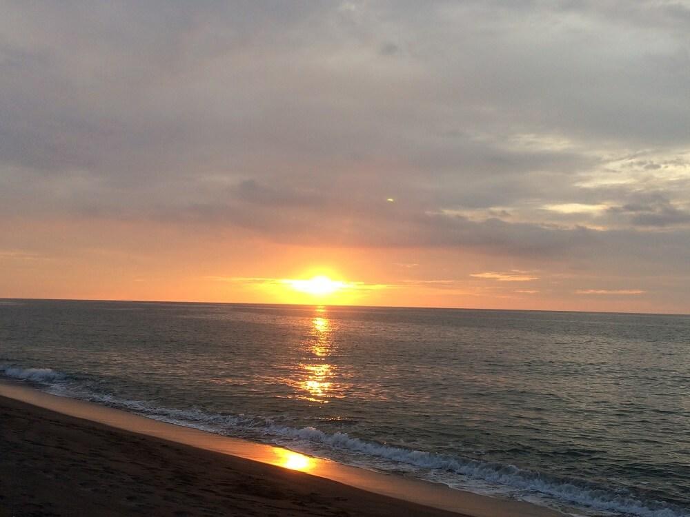 Sunset San Juan La Union